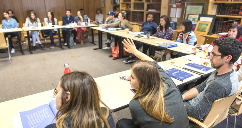 Photograph of Intro students in class