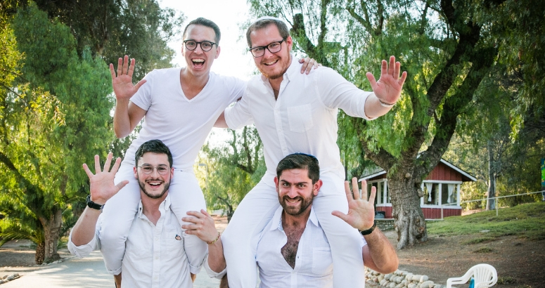 BCIers wearing white for shabbat